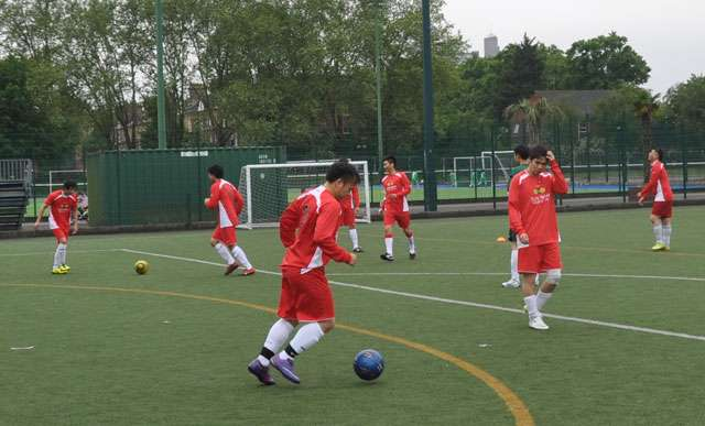 Sun Wah FC pre-match training drill